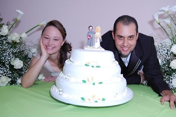 """Raul Gustavo da Silva e Juliana Damiane Souza Silva, de Lavras (MG), oficializaram a união em 3 de outubro de 2009. """"Foi um momento único e inesquecível, um grande sonho realizado"""", disse Juliana."""