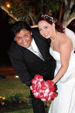 Paulo César e Fernanda escolheram a cidade de Itajaí, em Santa Catarina, para celebrar o casamento deles, que aconteceu em 10 de outubro de 2009.