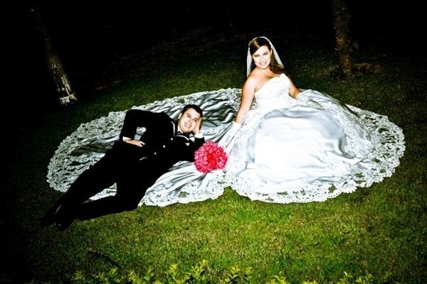 O casamento de Fernando Luiz e Amanda Rowedder em Sumaré (SP), no dia 11 de agosto de 2012.