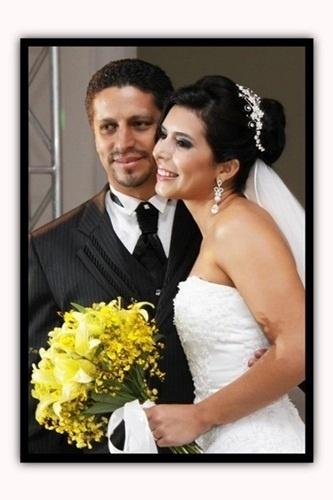 """Márcio e Natacha Campos se casaram em Três Corações (MG), no dia 18 de dezembro de 2010. """"Grande dia, muita emoção"""", contou Natacha."""