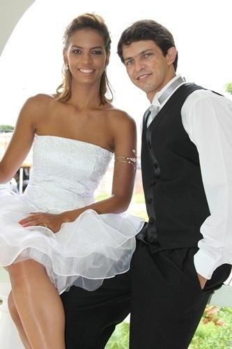 O casamento de Adriano Alves Araújo e Luciene da Rocha foi em Pirapora (MG), no dia 26 de fevereiro de 2011
