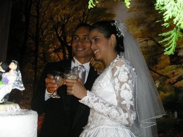 """O casamento de Katiuska e Oriussete Silva foi em São José do Rio Preto (SP), no dia 6 de setembro de 2009. """"O dia mais feliz da nossa vida"""", disse Katiuska."""