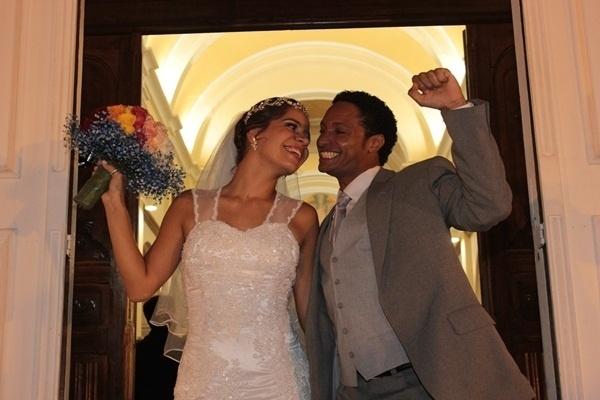 """O casamento de Renato Ventura e Camilla Mageste foi em Belo Horizonte (MG), em abril de 2013. """"Feliz do homem que encontra sua cara-metade"""", disse Renato."""