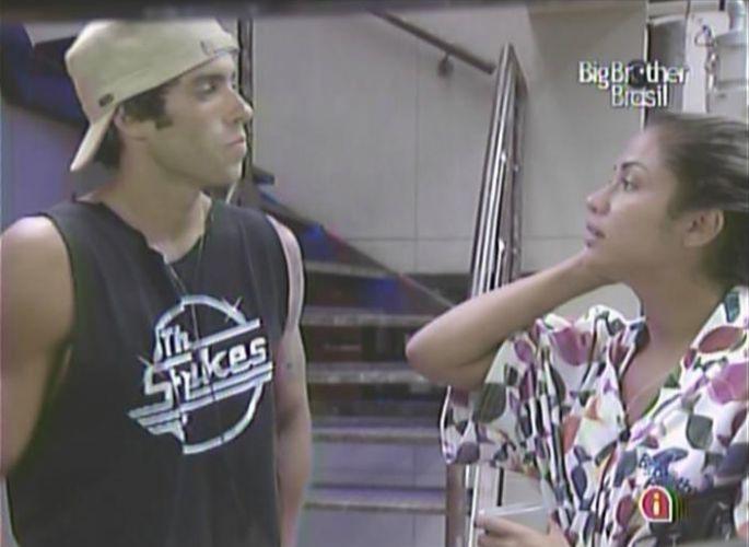 Mauricio e Maria conversam sobre o futuro do relacionamento deles: