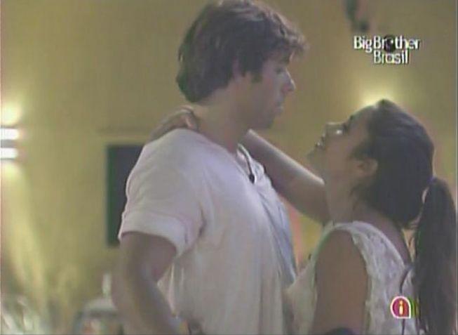 Mauricio tenta fugir de Maria (8/2/11).