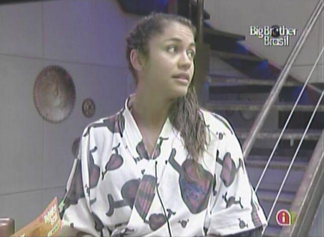 Maria volta a dizer que não irá correr atrás de Mauricio (15/2/11). A promessa foi quebrada muitas vezes por conta da carência da atriz.