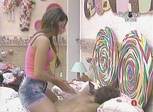Maria faz massagem em Mauricio (16/2/11).
