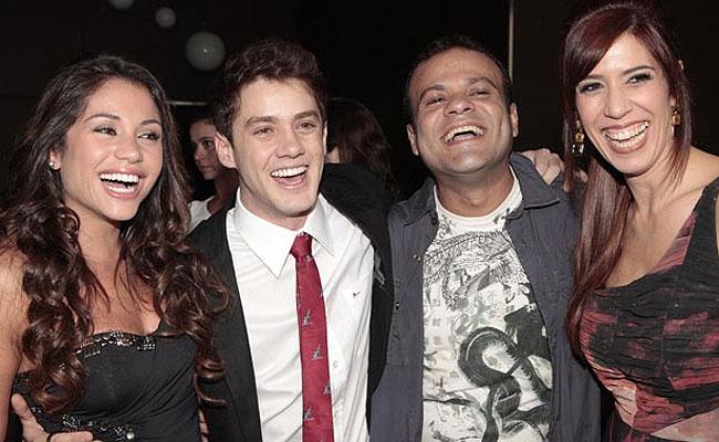 Os ex-BBBs Maria, Daniel e Jaqueline gravaram uma participação especial na novela