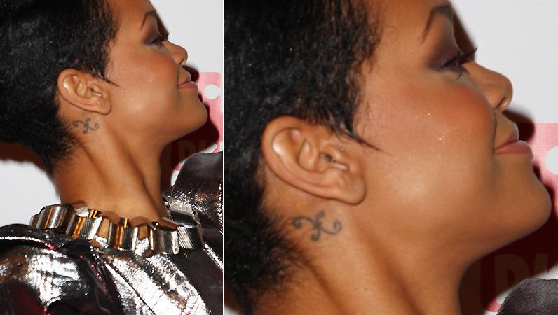 A cantora Rihanna tem o símbolo do signo de peixes tatuado perto da orelha