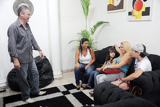Em março de 2011, Gretchen gravou participação no reality show 'Troca de Família', da Rede Record, ao lado de seu então marido Silvio Alves