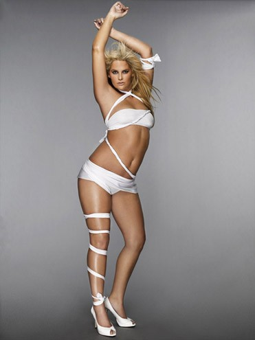 Whitney Thompson foi a primeira modelo plus size a vencer um America's Next Top Model, na décima temporada do reality