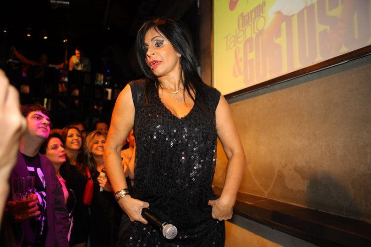 Maria Odete de Brito Miranda, a dançarina Gretchen, apresenta seus sucessos em pocket show no Rio (27/7/2011)