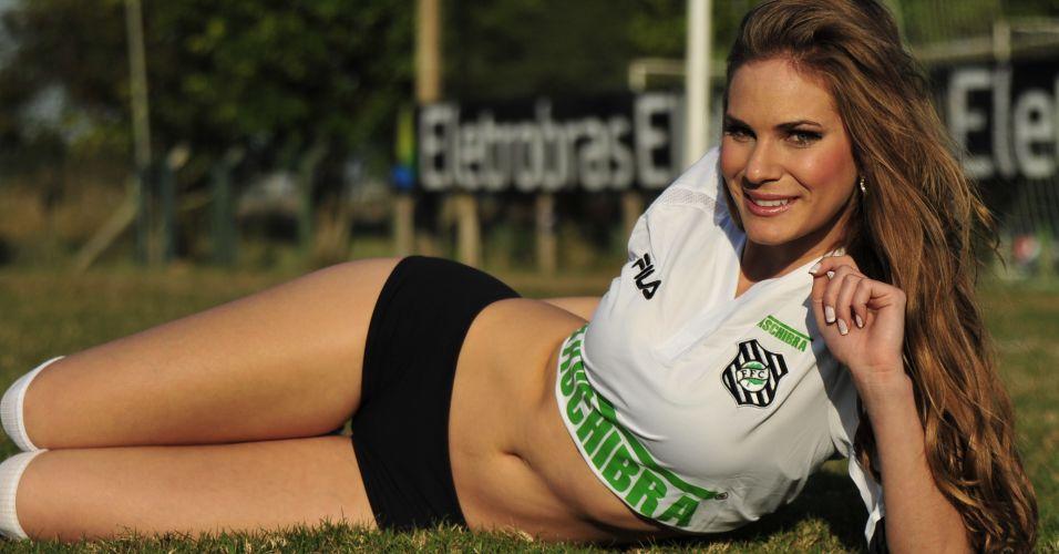 A musa Joice Soares é a representante do Figueirense