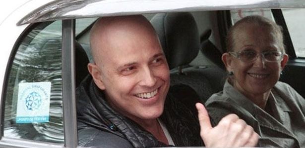 Quinta-feira (26/1) - Reynaldo Gianecchini teve alta do hospital Sírio-Libanês, em São Paulo. A informação foi confirmada pela assessoria de imprensa da unidade. O ator, que foi diagnosticado com um câncer linfático, se submeteu ao procedimento de autotransplante no último dia 12 de janeiro.