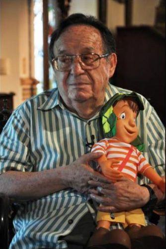 Segunda-feira (30/1) - O ator mexicano Roberto Bolaños, que completa 83 anos no próximo dia 21 de fevereiro, negou a própria morte pelo Twitter.