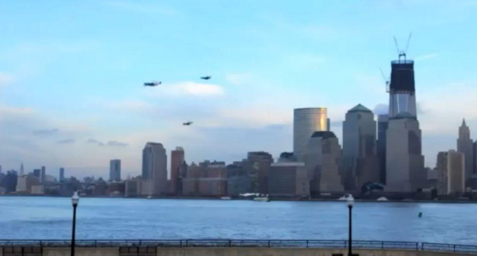 Terça-feira (31/1) - Um vídeo com aeroplanos que imitam a forma humana dá a impressão de que 'pessoas' estão voando pelo ceú de Nova York, nos EUA. Na realidade, se trata de uma campanha de promoção do novo filme 'Poder sem Limites'.
