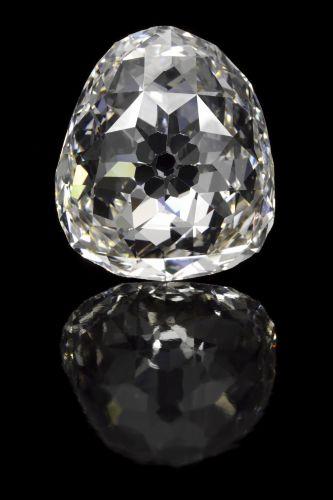 Terça-feira (28/2/12) - Diamante de 34,98 quilates, esculpido em forma de pera e pertencente à coroa da ex-rainha da França Maria de Médici será leiloado no dia 15 de maio em Genebra, segundo informou a casa de leilões Sotheby's, nesta terça-feira (28). O valor da peça é estimado entre US$ 2 milhões e US$ 4 milhões.