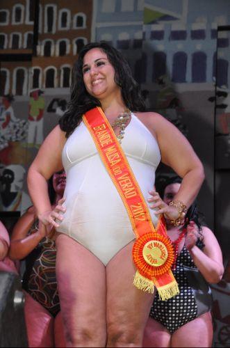 Segunda-feira (5/3) - A publicitária Aline Bittencourt, 31, de Niterói (RJ), foi eleita a Grande Musa do Verão 2012, em concurso de beleza realizado no Centro de Tradições Nordestinas, em São Cristóvão, no Rio de Janeiro.