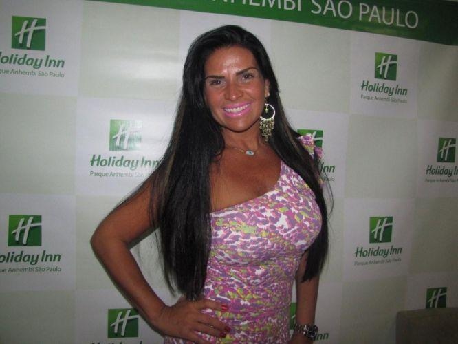 Segunda-feira (12/3) - A ex-modelo Solange Gomes contou que apanhava do ex-marido, Marcelo Tadeu, com quem conviveu por oito anos e se separou em 2009. 'Ele me batia. Apanhei muito dele, mas também bati de volta', disse a ex-modelo, em entrevista ao programa 'Muito+', de Adriane Galisteu.