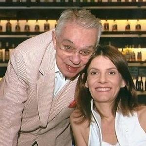 Quarta-feira (14/3) - A atual mulher do humorista Chico Anysio, Malga Di Paula, ficou irritada com um comentário no Twitter, que lembrava que seu marido já foi casado com a economista, ex-ministra da Fazenda, Zelia Cardoso de Mello. 'Bom, o cara casou com a Zelia. Então... Talvez goste de