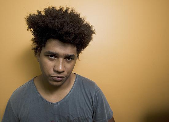 Quinta-feira (15/3) - O músico Raphael Lopes, 24, que chamou a polícia durante um show de stand-up após ser comparado a um macaco por um humorista, diz que a piada racista da qual foi vítima foi a coisa 'mais leve' que ouviu na noite de segunda (12/3), no Kitsch Club, zona sul de São Paulo.
