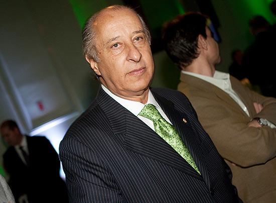 Quinta-feira (22/3) - A Conmebol indicou Marco Polo Del Nero para o Comitê Executivo da Fifa, em substituição a Ricardo Teixeira. Teixeira renunciou à presidência da CBF, do COL (Comitê Organizador Local da Copa de 2014) e aos cargos que ocupava na Conmebol e na Fifa. A confederação Sul-Americana, responsável por indicar seu substituto no Comitê da Fifa, escolheu ontem Del Nero, após quase uma semana de negociações.