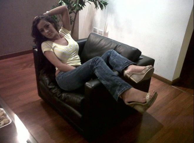 Larissa Riquelme, a paraguaia que se tornou a musa da Copa do Mundo de 2010, lançou seu novo site oficial, repleto de fotos sensuais da modelo. A nova página também tem uma sessão de vídeos e outra de notícias sobre Larissa (19/4/11).