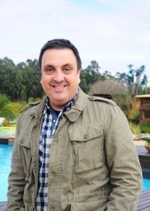 O diretor Rodrigo Carelli na sede da fazenda em Itu onde é realizado o reality show da Record