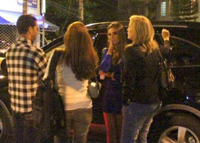 Após atropelar um turista italiano no Leblon, em 31 de maio de 2011, a modelo e dançarina Nicole Bahls, 24, usa seu Twitter pessoal para explicar que não consome bebidas alcoólicas