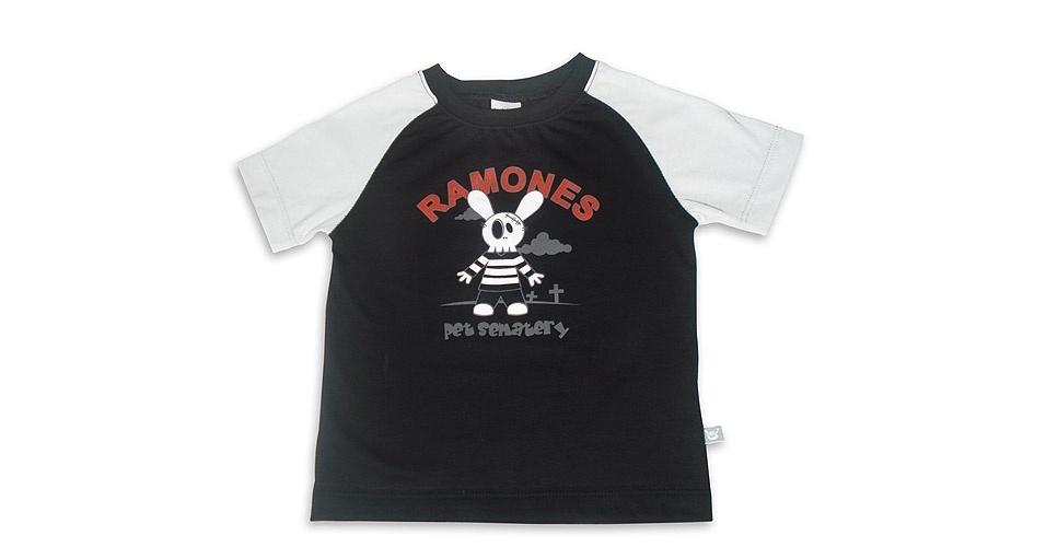 Camiseta Ramones unissex, modelo de manga curta do tipo raglan, confeccionado com malha penteada e 100% algodão. Nos tamanhos de 0 a 3 anos. Preço: R$ 45, na Baby rock (www. babyrock.com.br). Preço consultado em março de 2012