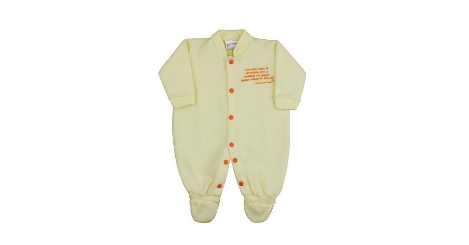 Pijama de astronauta feito de soft. Disponível nos tamanhos de 0 a 2 anos. Preço: R$ 66, na loja Olha Quem Está Falando (www.olhaquemestafalando.com.br). Preço consultado em março de 2012