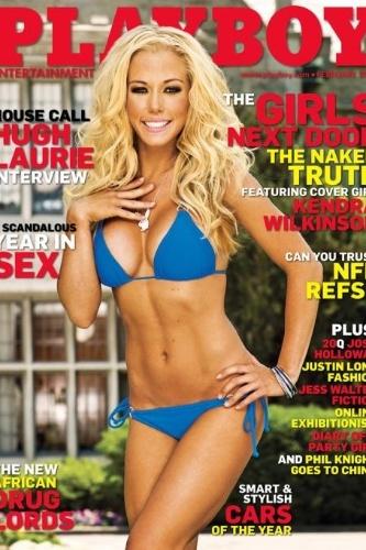 """Em 2004, Hefner também começou a namorar Kendra Wilkinson, outra participante do """"reality show"""" sobre a mansão do dono da """"Playboy"""". Ela foi capa da revista"""