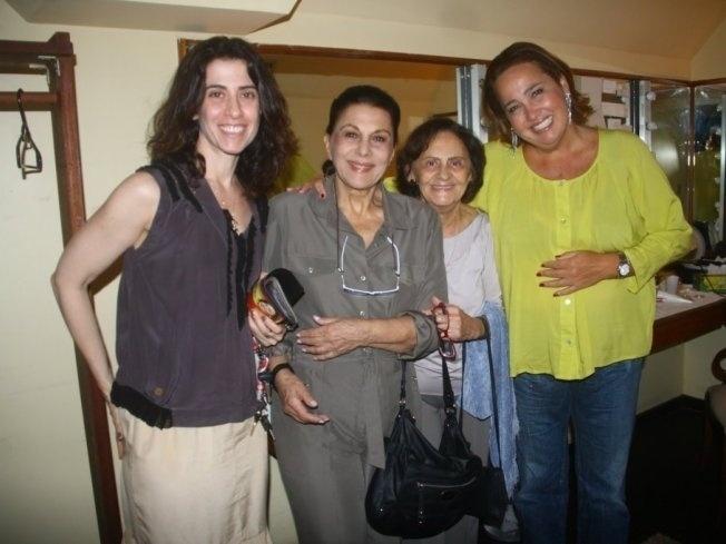 As atrizes Fernanda Torres, Marly Bueno, Laura Cardoso e Claudia Jimenez em imagem de janeiro de 2011