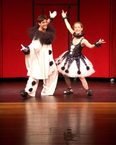 """Reynaldo Gianecchini e Camila Morgado durante encenação da peça """"Doce Deleite"""", dirigida por Marilia Pêra (9/9/08)"""