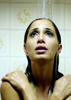 """Camila Pitanga em cena do filme """"Eu Receberia as piores notícias dos seus lindos lábios"""" (2011) - Divulgação"""