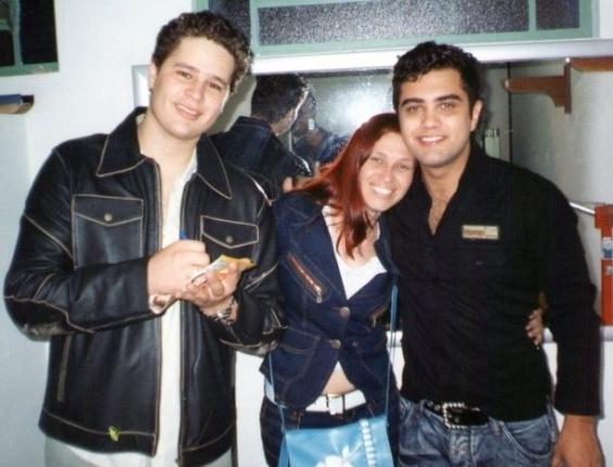A dupla Pedro & Thiago ao lado da fã Elaine Martins Borges (20/04/12)