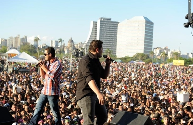A dupla Pedro & Thiago em show em Porto Alegre (18/10/11)