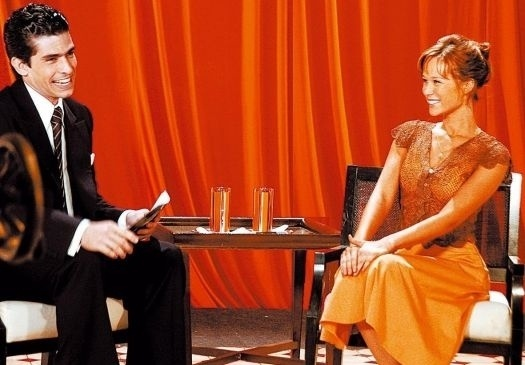 "15.mar.2006 - Mariana Ximenes e Antenor Lucci Ferreira durante cena do seriado ""JK"", da TV Globo"