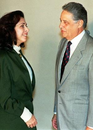 15.ago.1996 - A atriz Betty Faria com o presidente Fernando Henrique Cardoso, após assinatura da Lei do Audiovisual