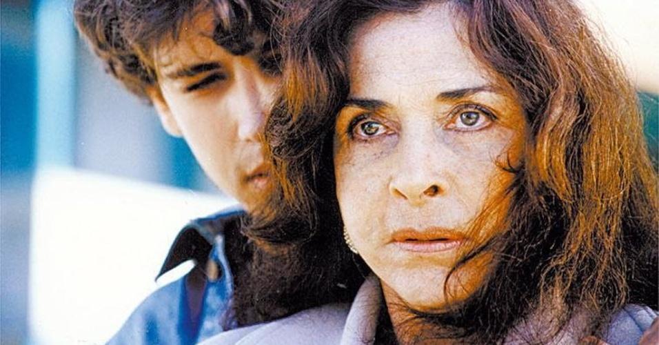 """2004 - A atriz Betty Faria em cena de """"Bens Confiscados"""", filme de Carlos Reinchenbach"""