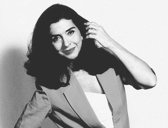 """A atriz Betty Faria nasceu no dia 8 de maio de 1941 na cidade do Rio de Janeiro. Considerada uma das atrizes mais icônicas da TV brasileira, Betty já participou de mais de 30 telenovelas de grande sucesso, dando vida a personagens inesquecíveis, como a viúva Porcina de """"Roque Santeiro"""" (1975) e Tieta (1989)"""