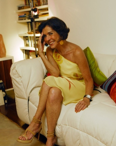 Dez.2007 - A atriz Betty Faria posa em sua cobertura no Leblon, no Rio de Janeiro