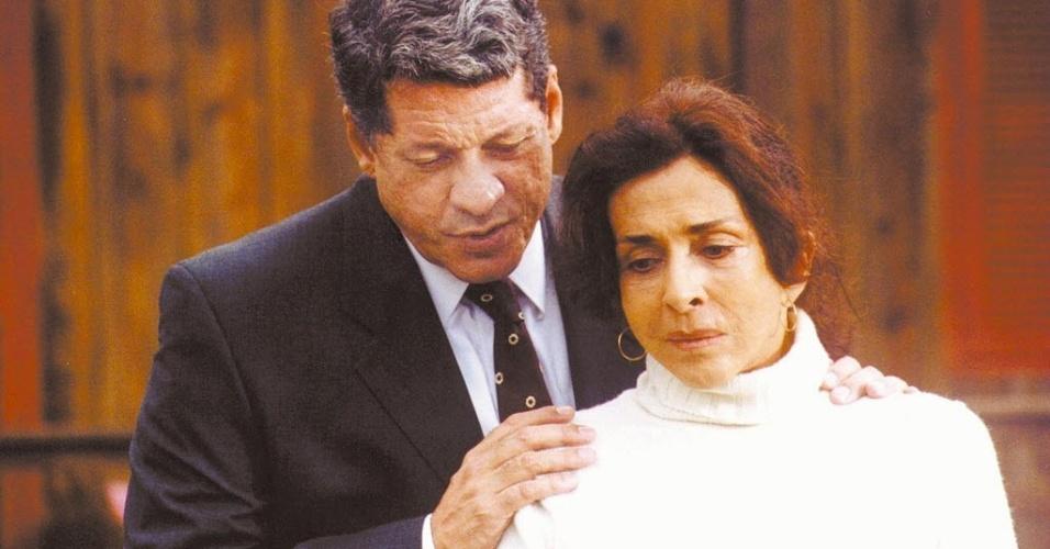 """2004 - Os atores Renan Geocelli e Betty Faria no filme """"Bens Confiscados"""", de Carlos Reichenbach"""