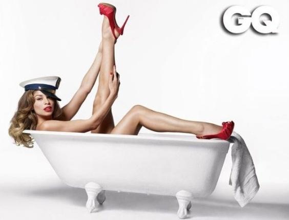 """A nova grávida do pedaço, Grazi Massafera encarna o estilo pin-up na capa e recheio da edição de novembro (2011) da revista """"GQ Brasil"""""""