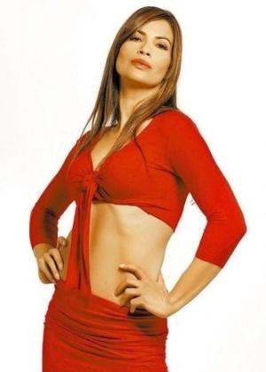 A atriz Isadora Ribeiro participa da gravação da série 'Donas de Casa Desesperadas', versão brasileira de 'Desperate Housewives' (6/5/07)