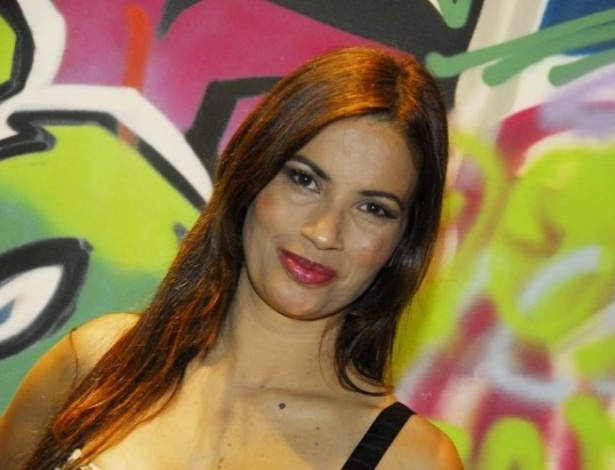A atriz participa da festa de lançamento da nova programação 2010 do SBT, no Museu Brasil, em São Paulo (24/2/10)
