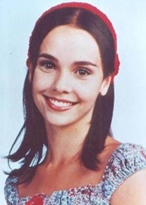 """Débora Falabella em imagem de divulgação da novela infantil """"Chiquititas"""", do SBT (2000)"""