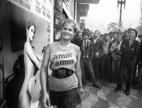 """Xuxa, que ainda era apenas modelo na época, divulga seu filme """"Amor, Estranho Amor"""" (7/4/82)"""
