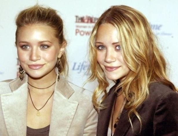Gêmeas Olsen vão a evento da indústria do cinema em Hollywood (3/12/02). De acordo com informações do site IMDb, Mary-Kate tem dois cavalos, chamados CD e Star, e já venceu prêmios de hipismo com os animais