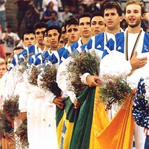 ESPORTE: As olímpiadas de Barcelona foi o destaque do mundo esportivo em 1992. O Brasil terminou a competição em 25º, conquistando duas medalhas de ouro (voleibol masculino e judô) e uma de prata (natação).